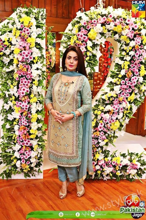 Kubra Khan, Sarah Khan, Iqra Aziz and Sonya Hussain at 12 Anniversary of HUM TV (34)
