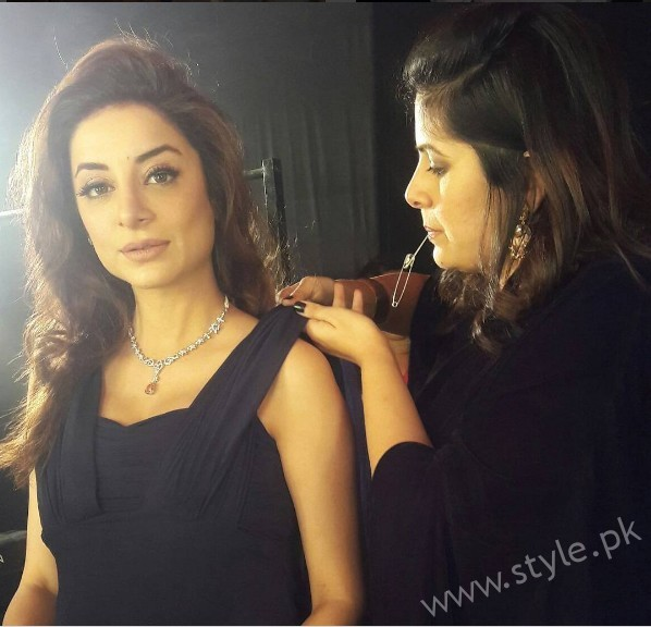 Mommy to be Sarwat Gillani gives Major Style Goals (2)