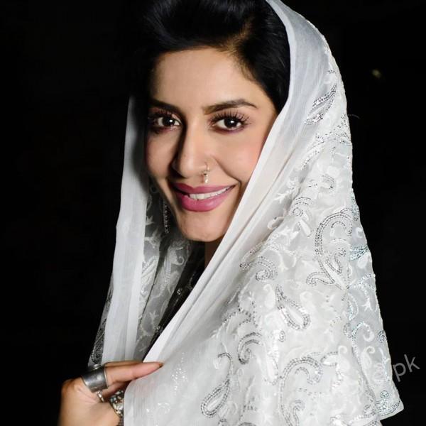 Saman Ansari's Profile, Pictures and Dramas (5)