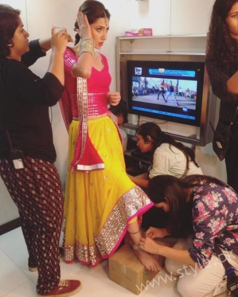 See Mahira Khan will be promoting Raees via Skype