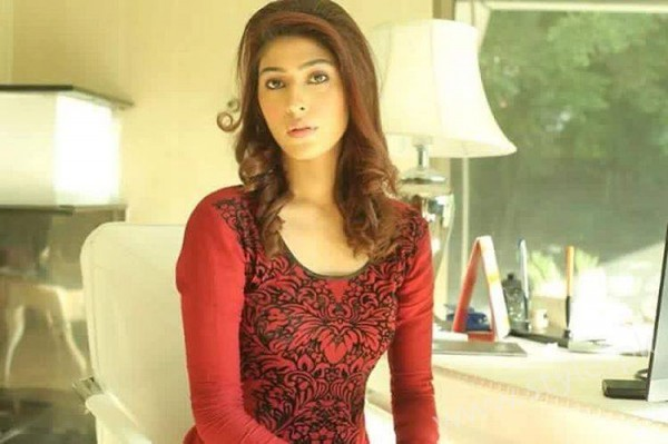 Sonia Mishal's Profile, Pictures and Dramas (10)