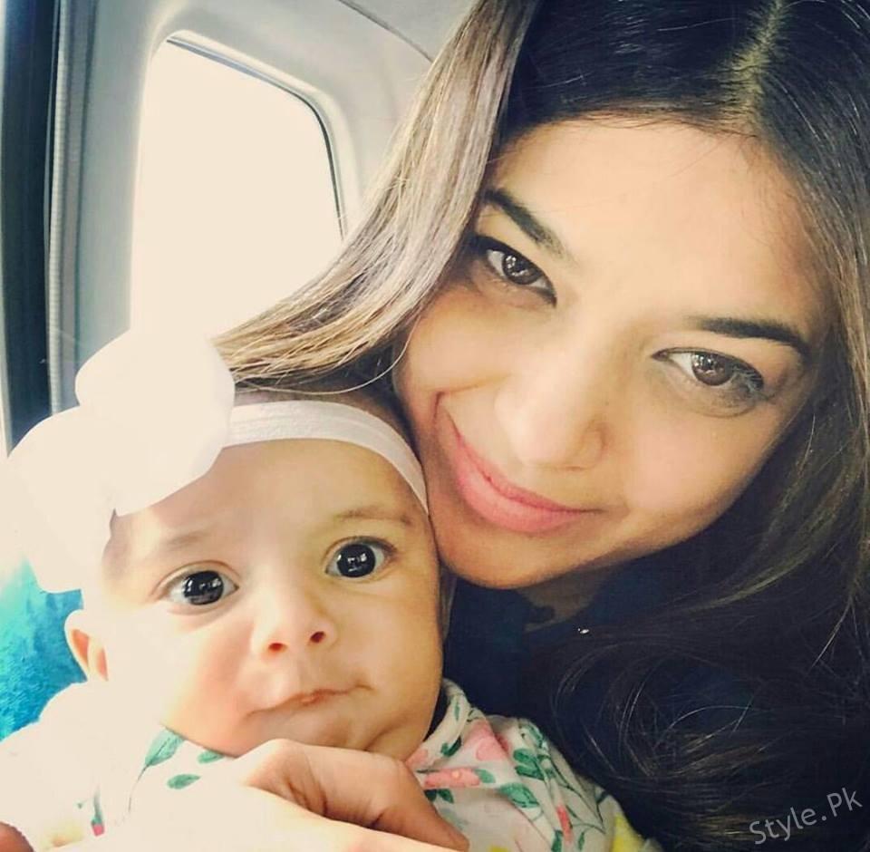 Sanam Jungs Beautiful Selfie With Her Daughter Sanam