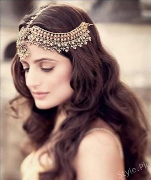 Trendy Matha Patti Style