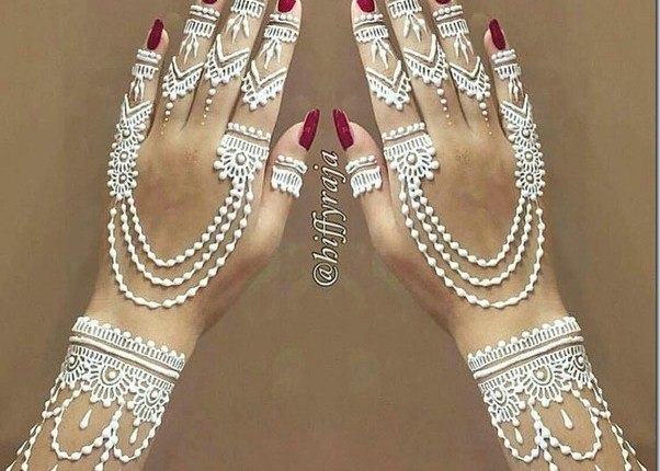 See Top 10 White Henna Designs for Eid 2017