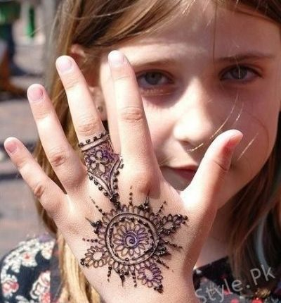Beautiful Mehndi Designs For Kids