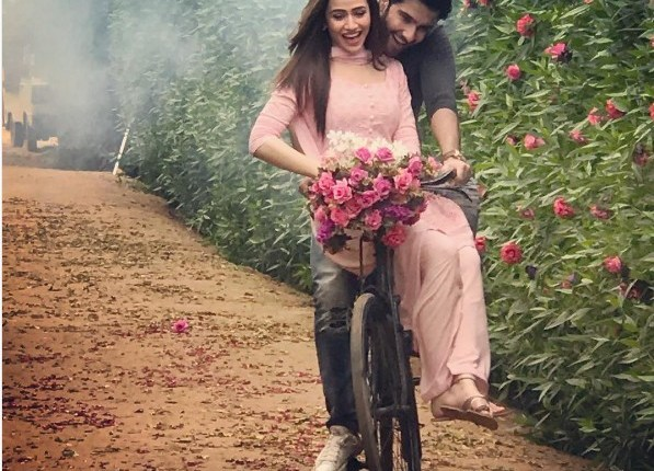 See Sana Javed and Feroze Khan's Photoshoot for drama serial Khaani