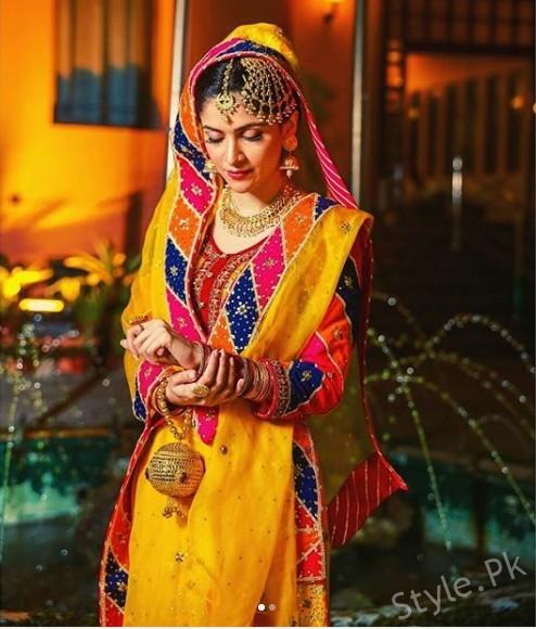 See Arij Fatyma Mehndi Pictures
