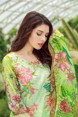 see Recent Shoot of Saeeda Imtiaz for Billboards of Motifz Shoot by Maaz Abbasi!