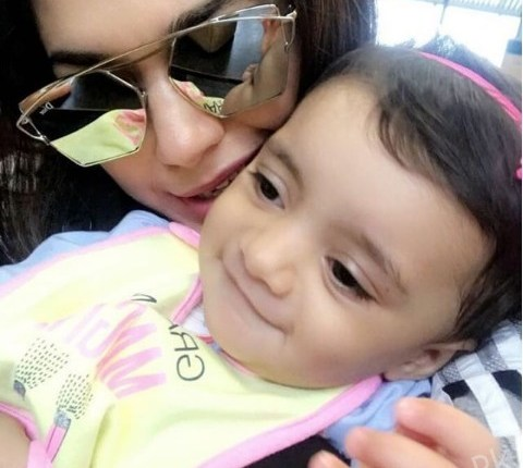 See Adorable Clicks of Sanam Jung with her Daughter