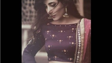 See Urwa Hocane Looks Hot in her Shoot for Mag The Weekly