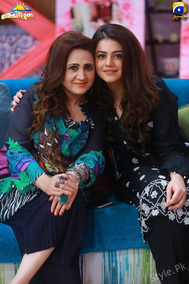 Asma Abbas With Her Daughter Zara Noor Abbas In GEO Subha