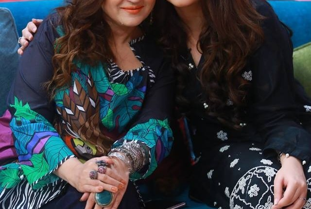 See Asma Abbas with her daughter Zara Noor Abbas in GEO Subha Pakistan
