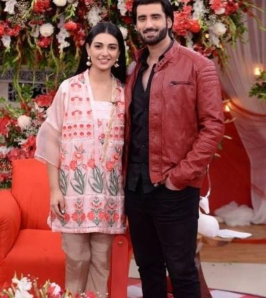 See Beautiful Couple Sarah Khan and Agha Ali in Good Morning Pakistan