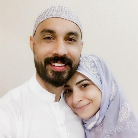 See Dua Malik after Performing Hajj 2017