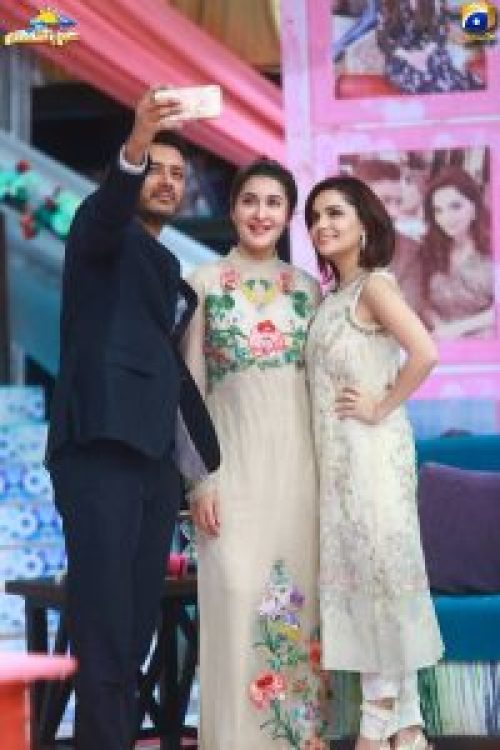 Armeena Khan With Her Fiance In Shaista Lodhi's Show