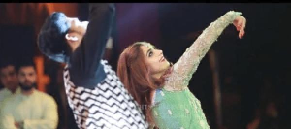 Maya Ali Dance Performance At Her Friend's Wedding Will Make You Dance Along