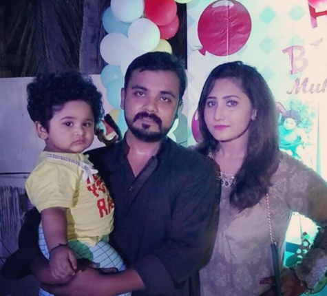 See Beautiful Family Pictures of Actress Pari Hashmi
