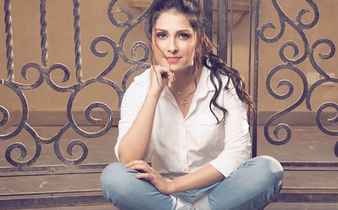 Ayeza Khan Latest Shoot For Ok Pakistan