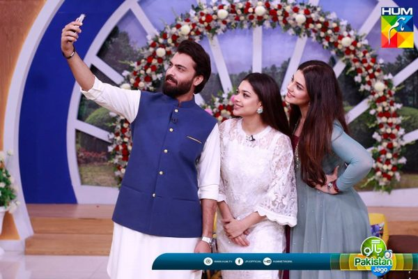 See Zara Noor Abbas and Asad Siddiqui in Jago Pakistan Jago After Wedding