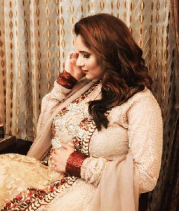 Sania Mirza Maternity Photoshoot Goes Viral