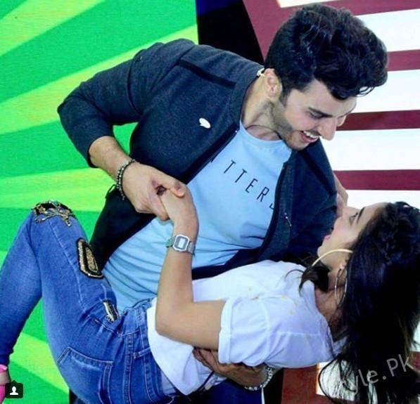 See Iqra Aziz and Ahsan Khan having fun on the set of Knor Boriyat Busters
