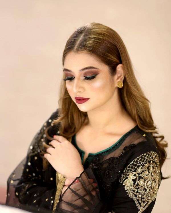 Faysal Qureshi's Elder Daughter Hanish Qureshi Latest Pictures