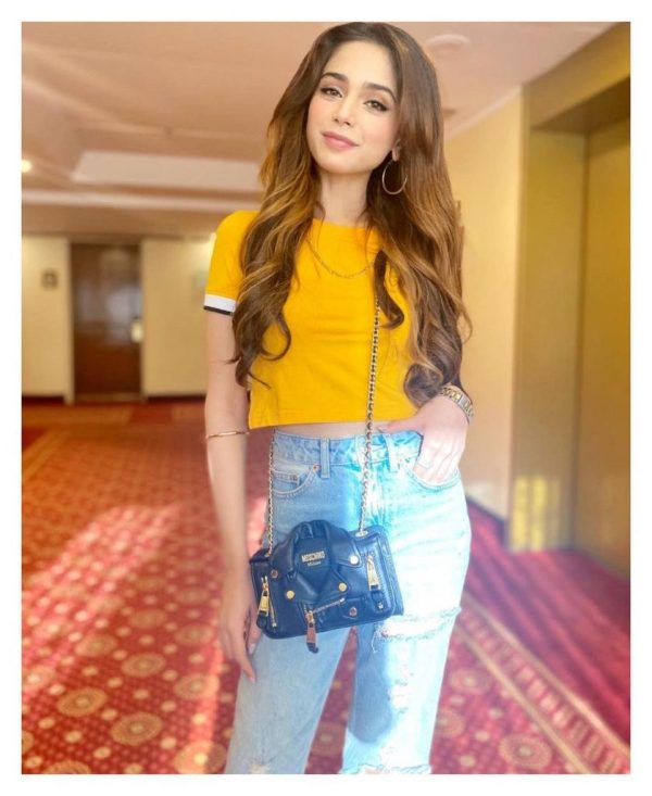 Latest Adorbale Clicks Of Singer Aima Baig