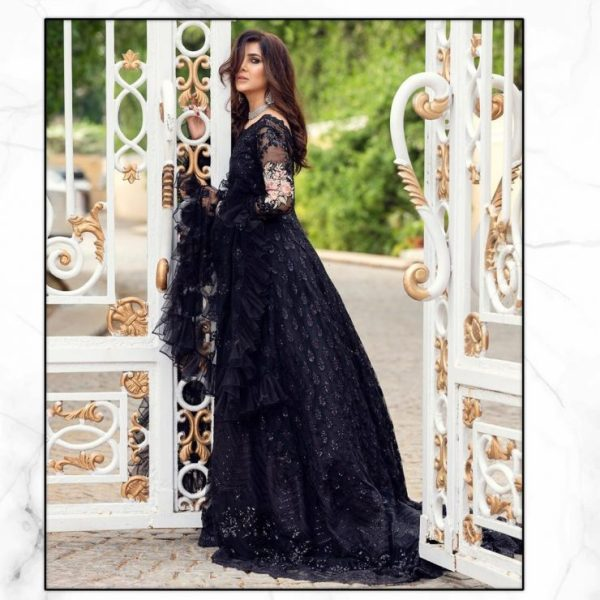 Glamorous Areeba Habib In Zainab Chottanis Latest Collection