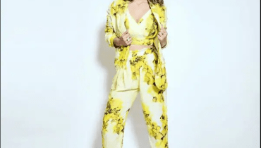 Hina Khan's pictures in a yellow-floral pantsuit are worth