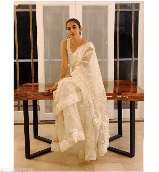 Syra Yousuf Looks Hot In Ivory White Saree