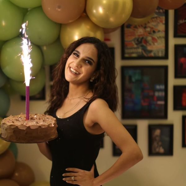 Anoushay Abbasi Will Take Your Breath Away At Birthday Party