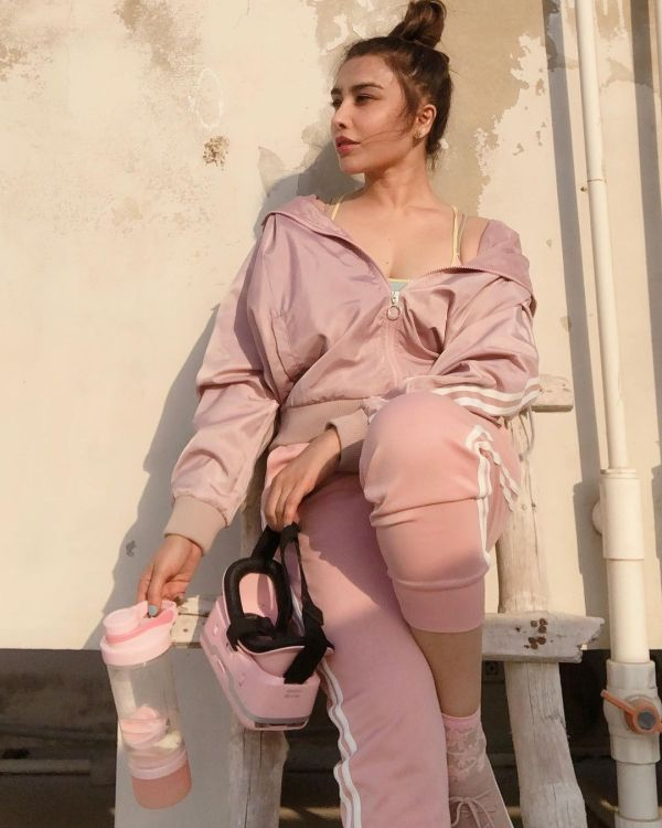Actress Maira Khan Latest Photos In Casual Dresses