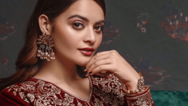 Minal Khan For Asim Jofa Latest Pakistani Velvet Dresses