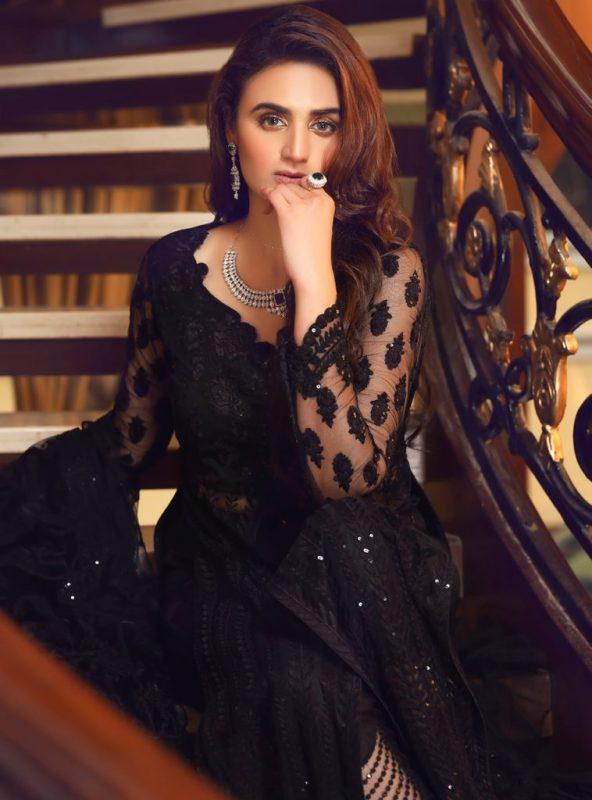 Looks breathtakingly gorgeous Hira mani wear all beautiful attire