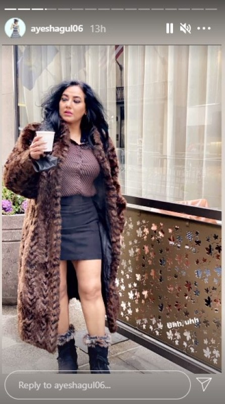 Ayesha Gul And Sonya Hussyn Hot and Stunning Pictures