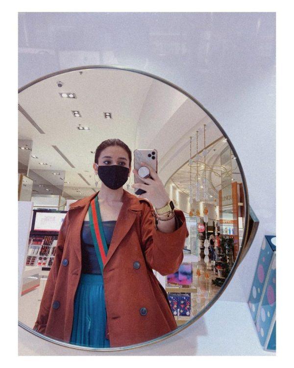 Latest Stunning Clicks Of Actress Zara Noor