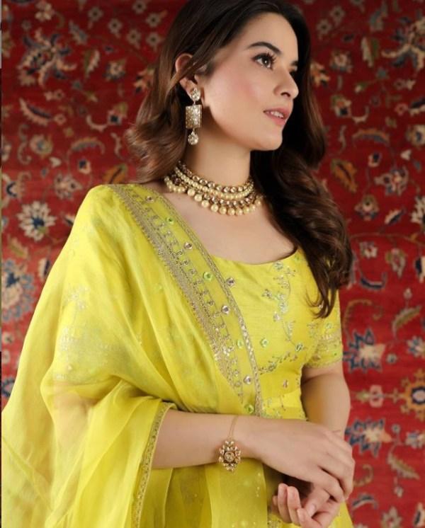 Minal Khan Flaunts a Lehenga Like Actress Alia Bhatt