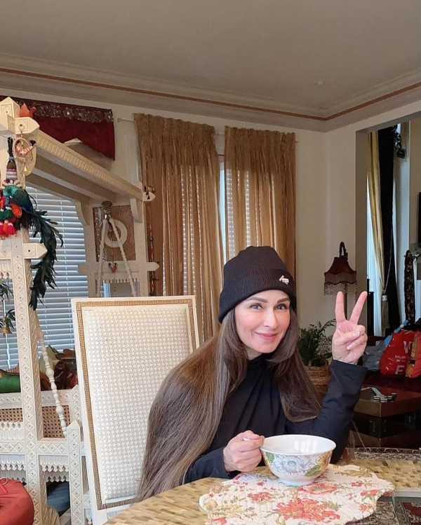 Reema Khan Looks Adorable In Her Winter Wardrobe In USA