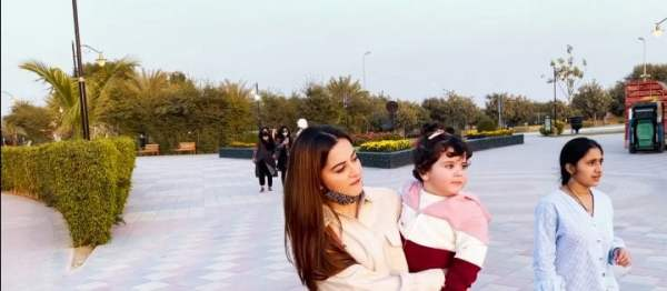 Muneeb And Aiman Beautiful Pictures In Zoo