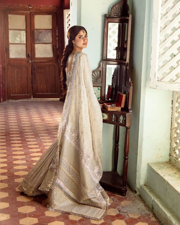 Sajal Aly New Photos Will Leave You Awestruck
