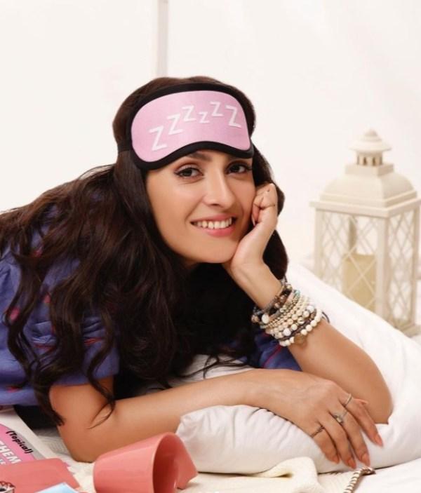 Ayeza Khan Melts Hearts With Her Adorable Clicks