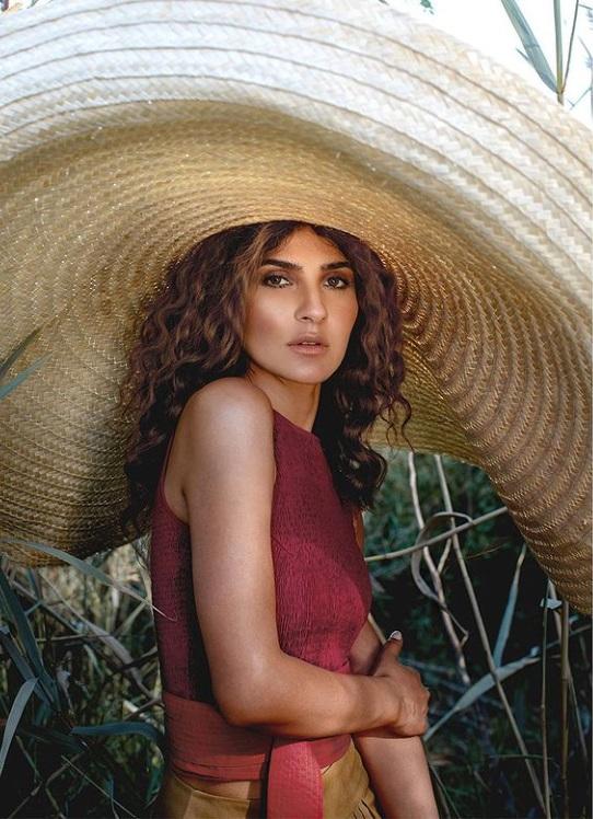 Kiran Malik Looks Hot In Shoot Around Nature