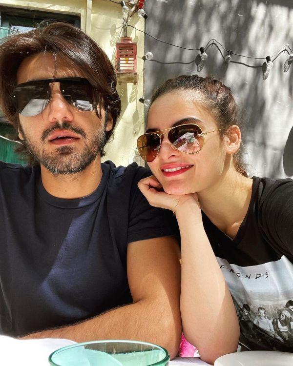 Minal Khan Enjoyed Sunny Sunday Brunch With Beau