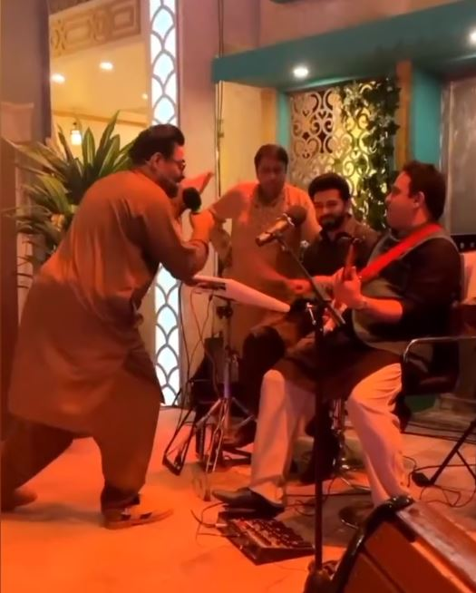Public Reaction On Aamir Liaquat Recent Dance Video