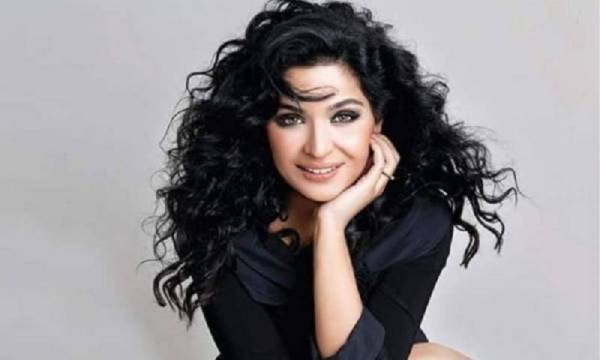 Scandal Queen Meera Jee turns Into 44