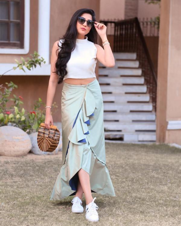 Aymen Saleem Faces Public Criticism Over Her Dressing