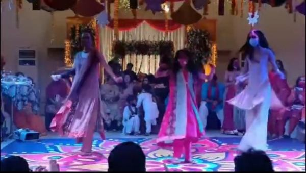 Nadia Hussain & her daughters teach us the right dance moves