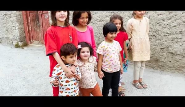 Muneeb Butt Exploring Beauty Of Gilgit Baltistan With Family