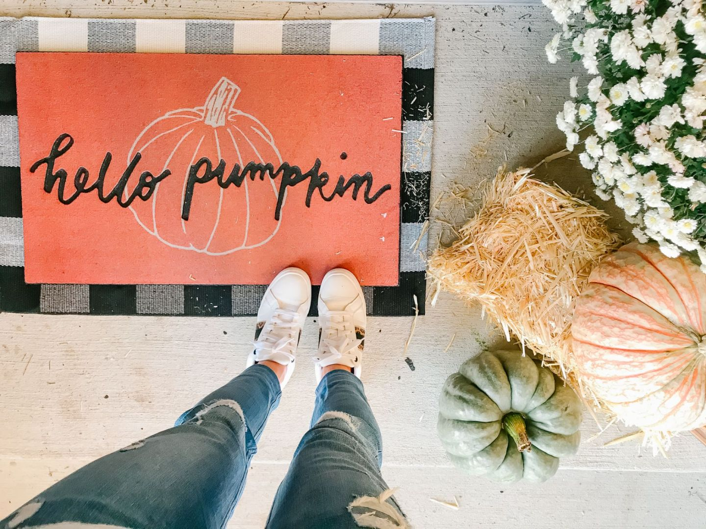Decorate With Me: My Front Porch Fall Edition