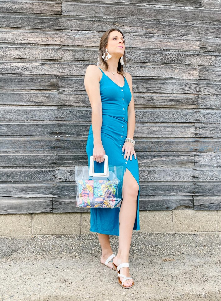 leg slit dress